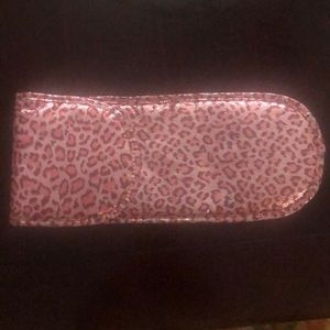 Handbags - Caringing case for a flat iron.